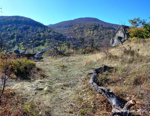 Вершина: на заднем плане Бабуган